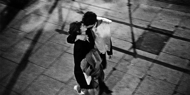 Sevgilin bitkin kalmalı öpülmekten!