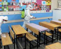 Okulları Açmayı Becerememe Bakanlığı